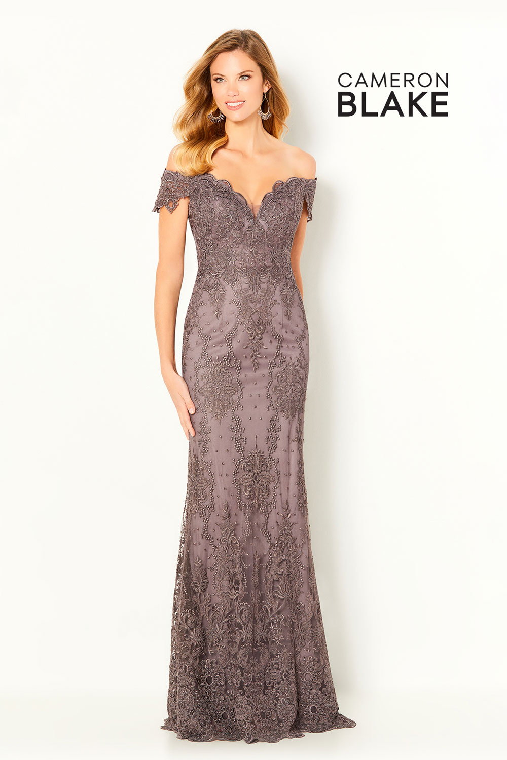 Gown with a V-neck, off the shoulder, shawl and separate sleeve