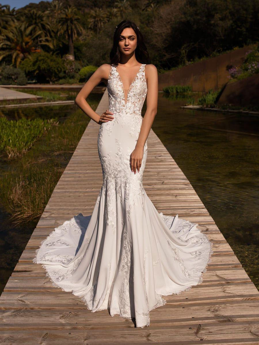Mermaid wedding gown